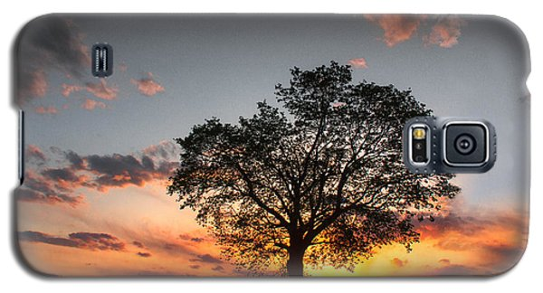 Galaxy S5 Case featuring the photograph Lasting Hope by Everett Houser