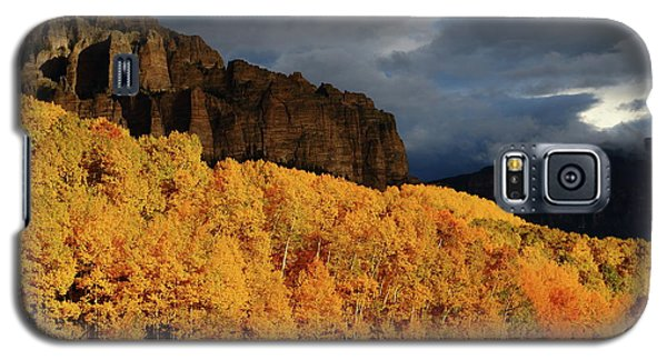 Galaxy S5 Case featuring the photograph Late Afternoon Light On The Cliffs Near Silver Jack Reservoir In Autumn by Jetson Nguyen