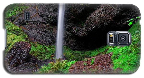 Galaxy S5 Case featuring the photograph Latourell Falls Oregon by Jonathan Davison
