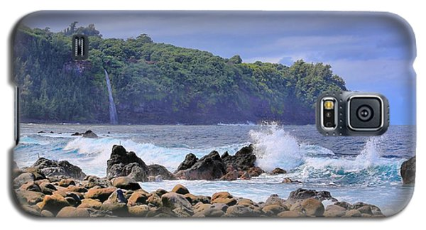 Galaxy S5 Case featuring the photograph Laupahoehoe Point by DJ Florek