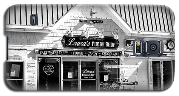 Galaxy S5 Case featuring the photograph Laura's Fudge Shop by John Rizzuto