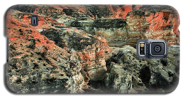 Galaxy S5 Case featuring the photograph Layers In The Kansas Badlands by Kyle Findley