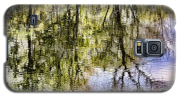 Galaxy S5 Case featuring the photograph Lazy Day by John Hansen