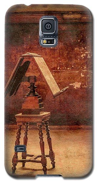 Paris, France - Lectern Galaxy S5 Case