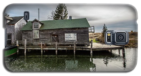 Galaxy S5 Case featuring the photograph Leland Michigan Dock by John McGraw