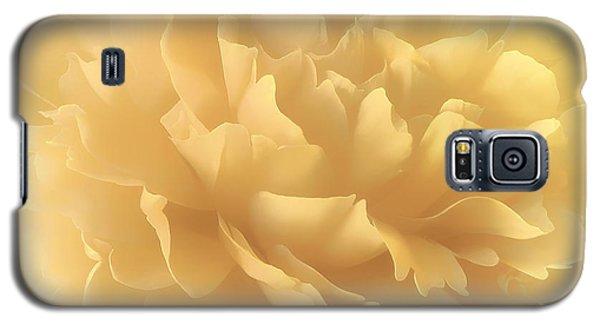 Galaxy S5 Case featuring the photograph Lemon Splash by Darlene Kwiatkowski