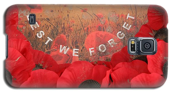 Galaxy S5 Case featuring the photograph Lest We Forget - 1914-1918 by Travel Pics