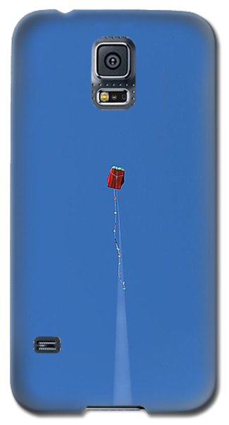 Galaxy S5 Case featuring the photograph Let's Go Fly A Kite by Greg Simmons