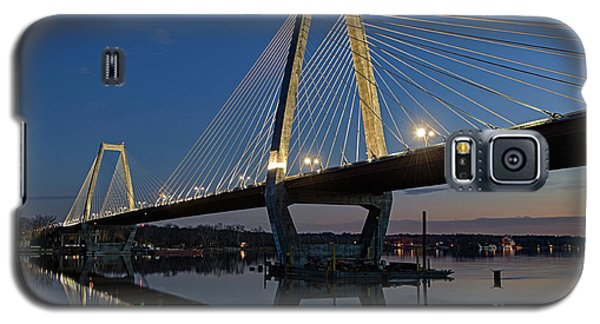 Galaxy S5 Case featuring the photograph Lewis And Clark Bridge - D009999 by Daniel Dempster