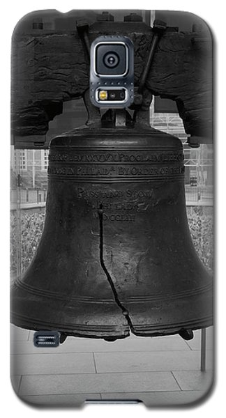 Liberty Bell Bw Galaxy S5 Case by Chris Flees