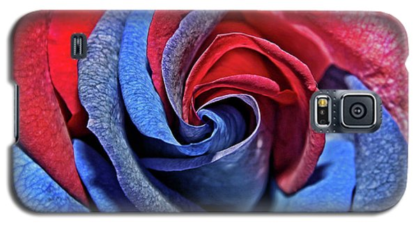 Galaxy S5 Case featuring the photograph Liberty Rose by Judy Vincent