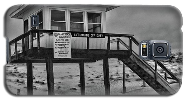 Galaxy S5 Case featuring the photograph Lifeguard Station 1 In Black And White by Paul Ward