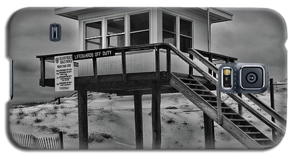 Galaxy S5 Case featuring the photograph Lifeguard Station 2 In Black And White by Paul Ward