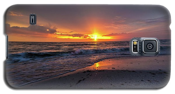 Galaxy S5 Case featuring the photograph Light Along The Shore by Everett Houser