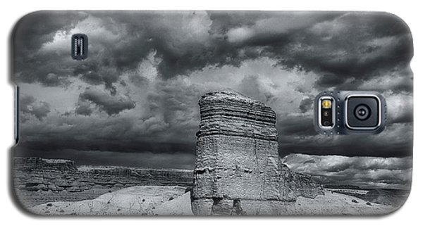 Galaxy S5 Case featuring the photograph Light On The Rock by John A Rodriguez
