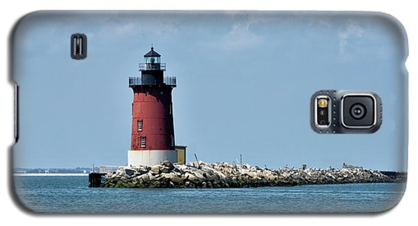 Galaxy S5 Case featuring the photograph Delaware Breakwater East End Lighthouse - Lewes Delaware by Brendan Reals