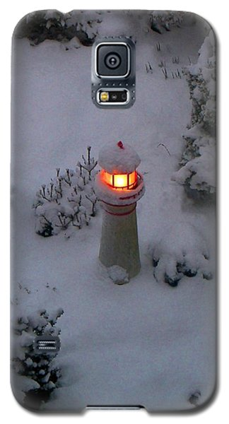 Galaxy S5 Case featuring the photograph Lighthouse In The Snow by Kathryn Meyer
