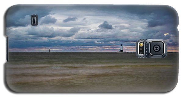 Lighthouse Under Brewing Clouds Galaxy S5 Case