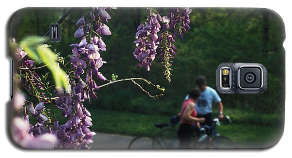 Galaxy S5 Case featuring the photograph Lilacs In Bloom by Carl Purcell