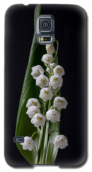Lily Of The Valley On Black Galaxy S5 Case