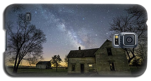 Galaxy S5 Case featuring the photograph Linear by Aaron J Groen