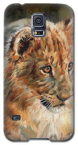 Galaxy S5 Case featuring the painting Lion Cub Portrait by David Stribbling