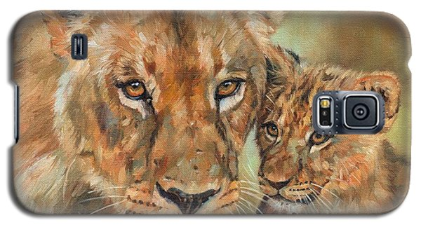 Galaxy S5 Case featuring the painting Lioness And Cub by David Stribbling