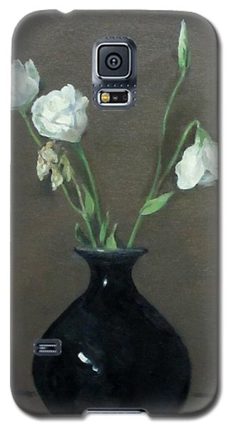 Lisianthus In Black Vase Galaxy S5 Case