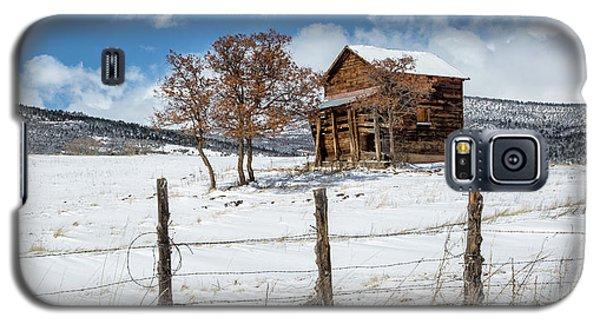 Little Shack In Winter Galaxy S5 Case