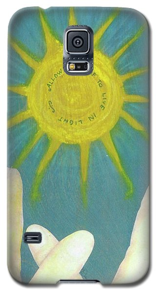 Galaxy S5 Case featuring the mixed media Live In Light by Desiree Paquette