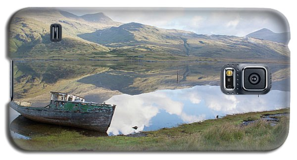 Loch Beg Reflects Galaxy S5 Case