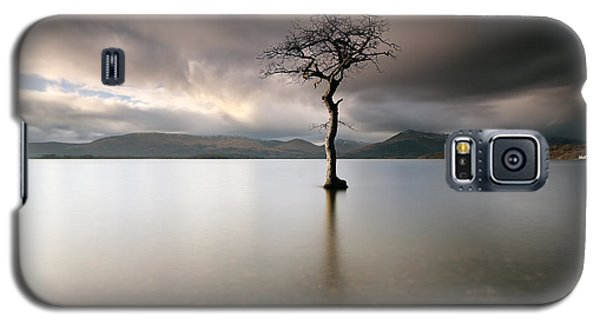 Loch Lomond Lone Tree Galaxy S5 Case by Grant Glendinning