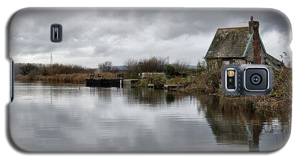 Lock Keepers Cottage At Topsham Galaxy S5 Case