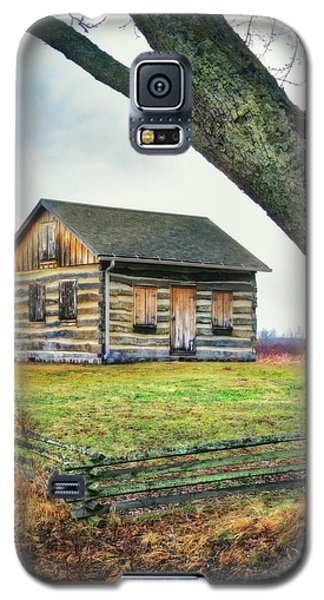 Galaxy S5 Case featuring the photograph Log Cabin - Paradise Springs - Kettle Moraine State Forest by Jennifer Rondinelli Reilly - Fine Art Photography