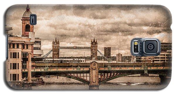 London, England - London Bridges Galaxy S5 Case