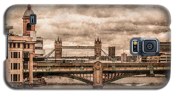 London, England - London Bridges Galaxy S5 Case