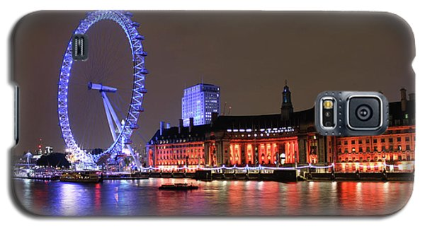 Galaxy S5 Case featuring the photograph London Eye By Night by RKAB Works