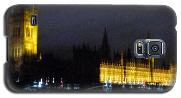 Galaxy S5 Case featuring the photograph London Late Night by Christin Brodie