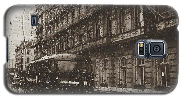 Classic Galaxy S5 Case - London Rain by Trystan Oldfield
