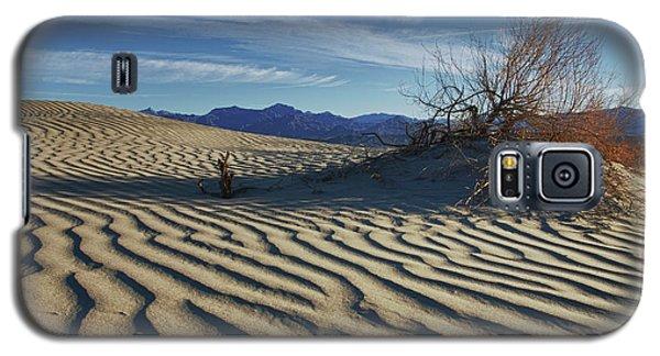 Lone Bush Death Valley Hdr Galaxy S5 Case by James Hammond