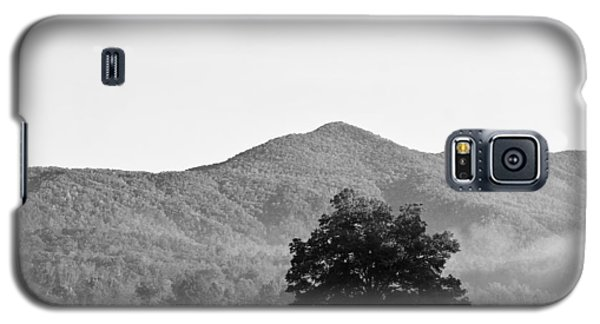 Galaxy S5 Case featuring the photograph Lone Mountain Tree by Bob Decker