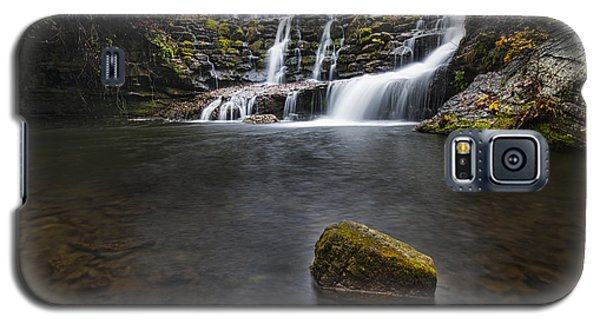 Lone Rock At The Falls Galaxy S5 Case