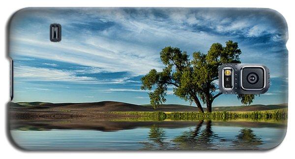 Lone Tree Pond Reflection Galaxy S5 Case