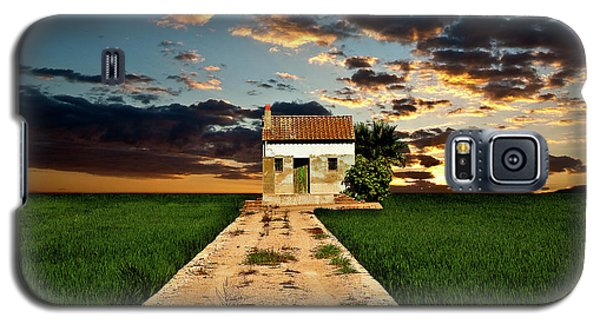 Galaxy S5 Case featuring the photograph Lonely Farm House  by Harry Spitz