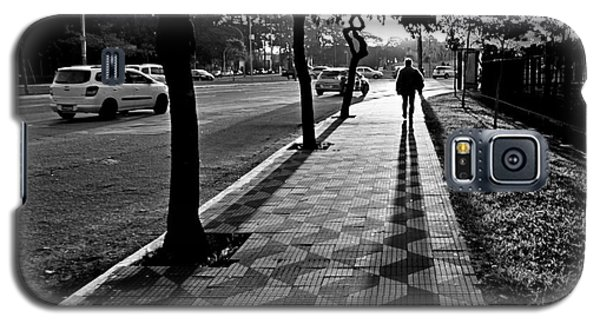 Lonely Man Walking At Dusk In Sao Paulo Galaxy S5 Case