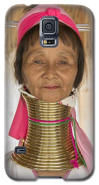 Galaxy S5 Case featuring the photograph Long Necked Karen Woman by Wade Aiken