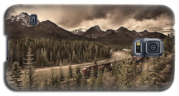Galaxy S5 Case featuring the photograph Long Train Running by John Poon
