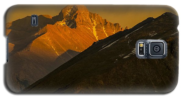 Galaxy S5 Case featuring the photograph Long's Peak by Gary Lengyel