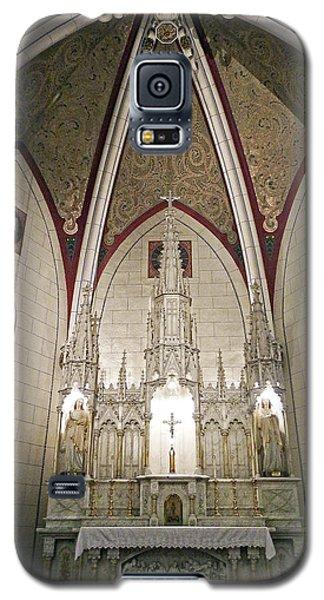 Galaxy S5 Case featuring the photograph Loretto Chapel Santa Fe by Kurt Van Wagner
