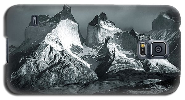 Galaxy S5 Case featuring the photograph Los Cuernos In Black And White by Andrew Matwijec